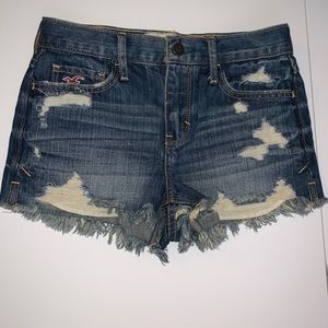 Hollister high waisted distressed shorts. Size 00